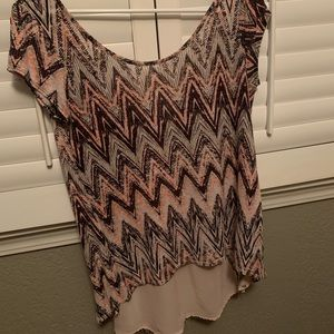 High-Low Chevron Shirt Size Small